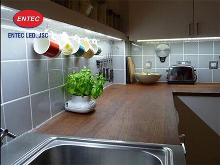 Đèn Led trang trí tủ bếp nhà Anh Thanh