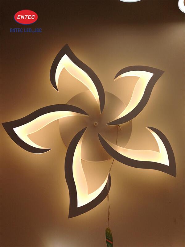 Bông hoa gắn đèn Led trang trí