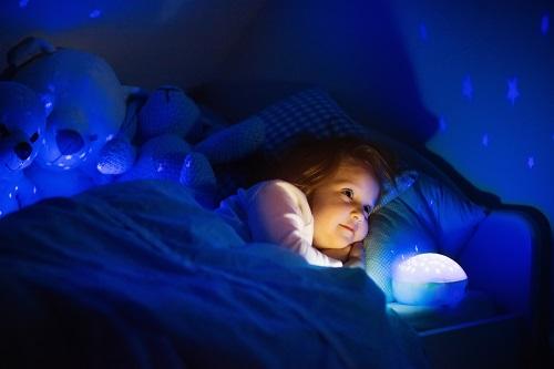 Hướng dẫn nhanh để chiếu sáng phòng ngủ của đèn LED