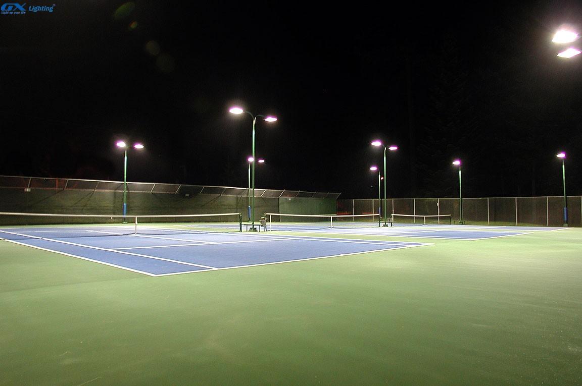 Tiết kiệm điện năng cho sân tập bằng đèn LED pha