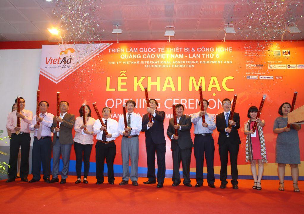 Từ ngày 21 – 23/3 tại Trung tâm triển lãm Quốc tế I.C.E (91 Trần Hưng Đạo, Q. Hoàn Kiếm, Hà Nội), Triển lãm quốc tế thiết bị và công nghệ quảng cáo Việt Nam (VietAd) được tổ chức dưới sự chủ trì và chỉ đạo của Hiệp hội Quảng cáo Việt Nam, do công ty CP quảng cáo và xúc tiến thương mại Đông Nam tổ chức.