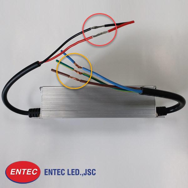 Các dây dẫn đầu ra và đầu vào được thiết kế và sản xuất dựa trên tiêu chuẩn Quốc tế
