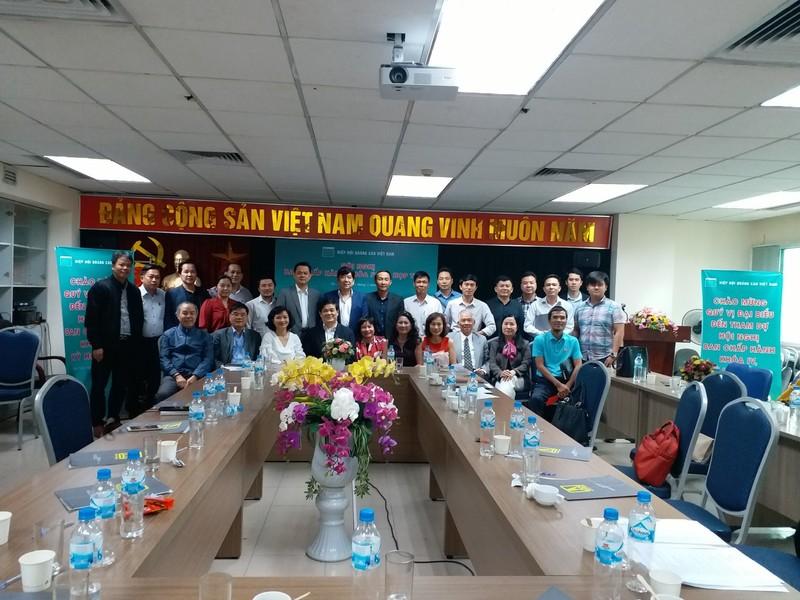 Các đại biểu về dự Hội nghị BCH Hiệp hội Quảng cáo Việt Nam lần thứ 5