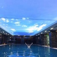 Trần xuyên sáng bể bơi vô cực lớn nhất Việt Nam