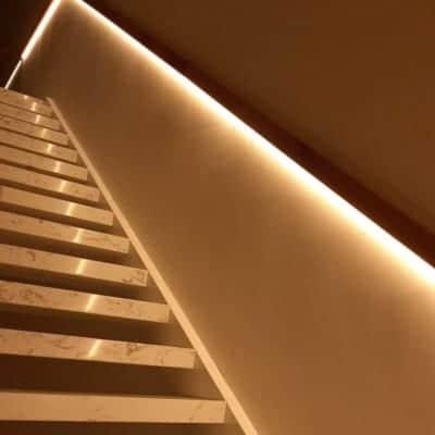 LED thanh trang trí tủ kệ