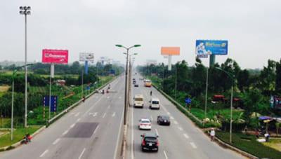 Quang cảnh đường phố Hà Nội với việc quy hoạch lại biển bảng quảng cáo